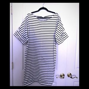 COS casual black-white stripe dress!